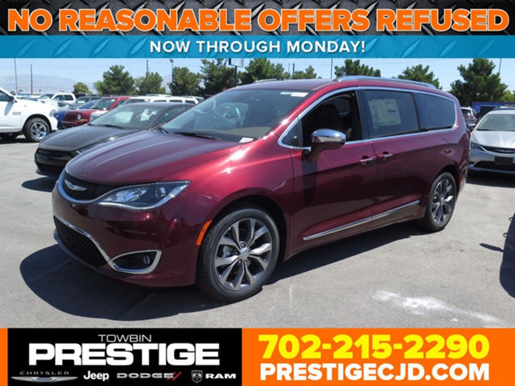 2017 Chrysler Pacifica Limited - 16731551 - 0