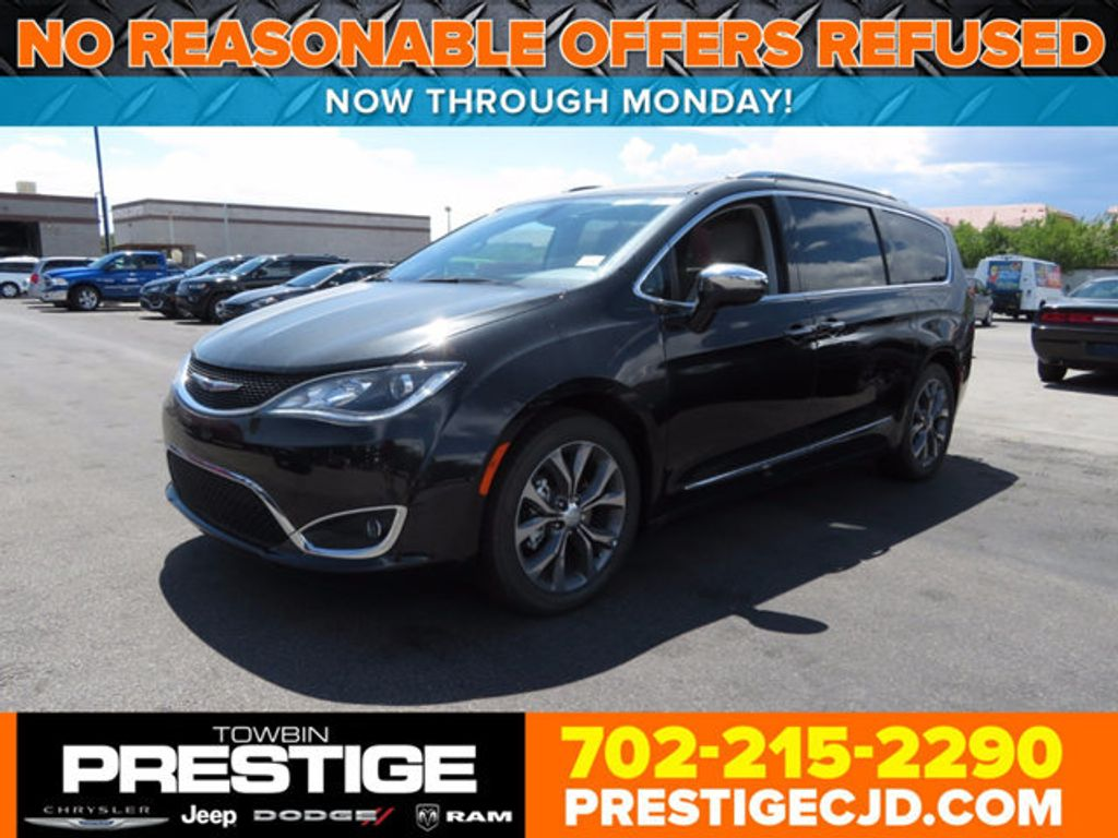 2017 Chrysler Pacifica Limited - 16731553 - 0