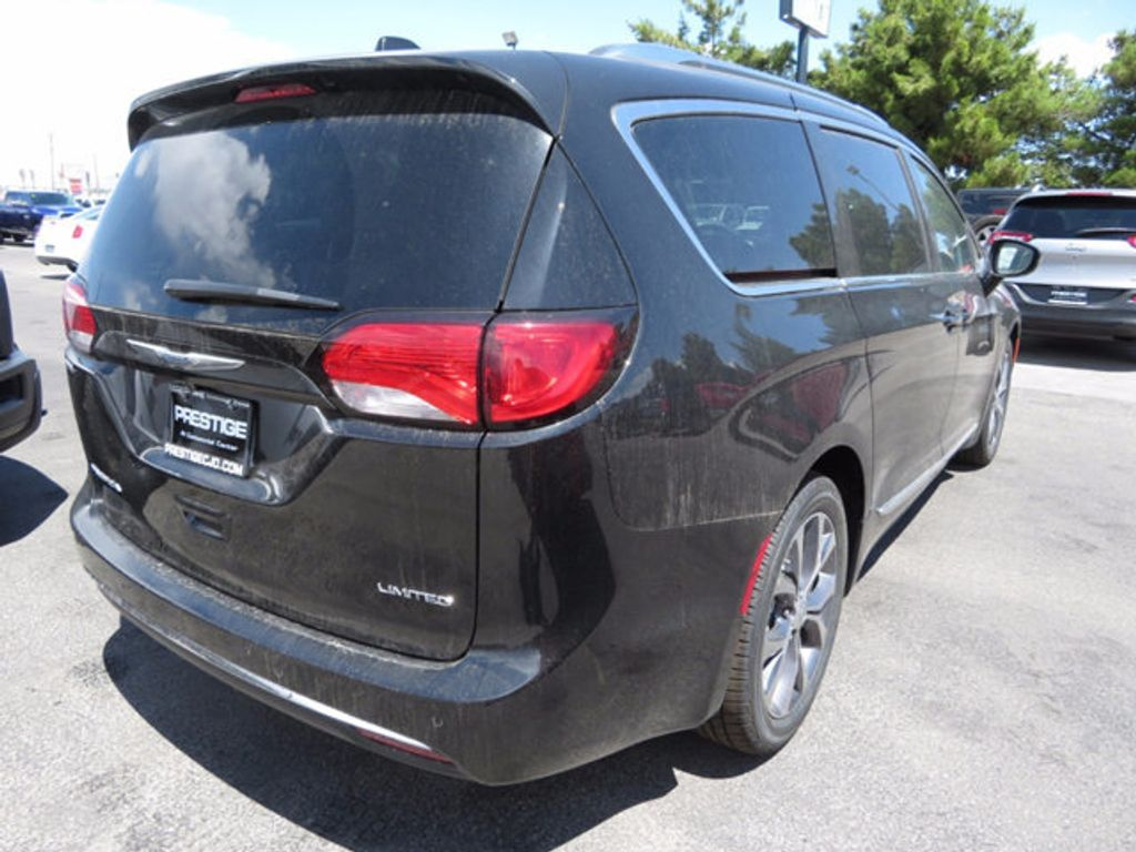 2017 Chrysler Pacifica Limited - 16731553 - 3
