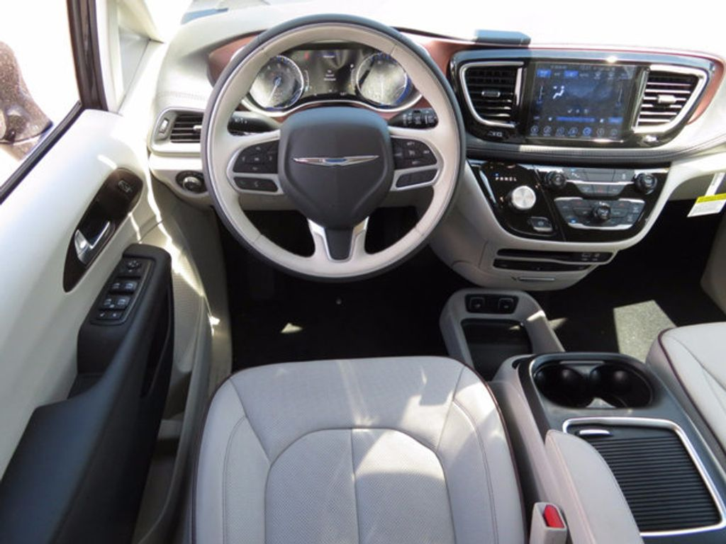 2017 Chrysler Pacifica Limited - 16731553 - 8