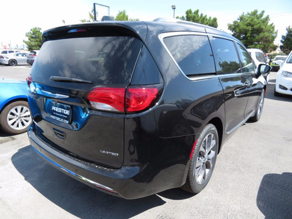 2017 Chrysler Pacifica Limited - 16731557 - 3