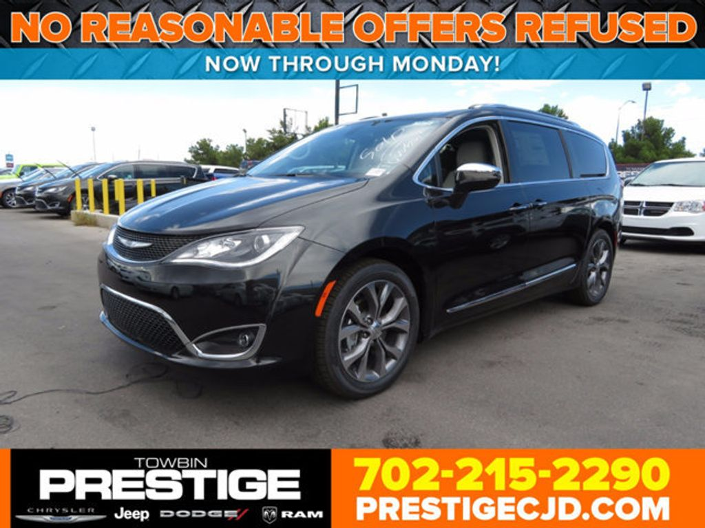2017 Chrysler Pacifica Limited - 16731571 - 0