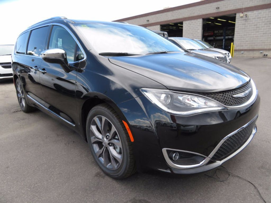 2017 Chrysler Pacifica Limited - 16731571 - 2