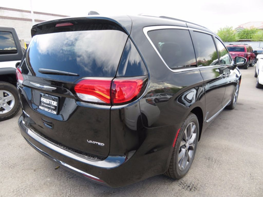 2017 Chrysler Pacifica Limited - 16731571 - 3