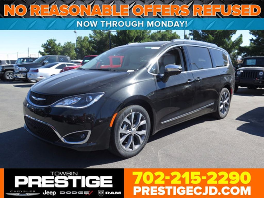 2017 Chrysler Pacifica Limited - 16731572 - 0
