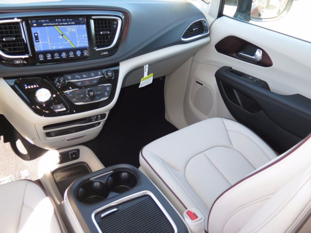 2017 Chrysler Pacifica Limited - 16731572 - 10