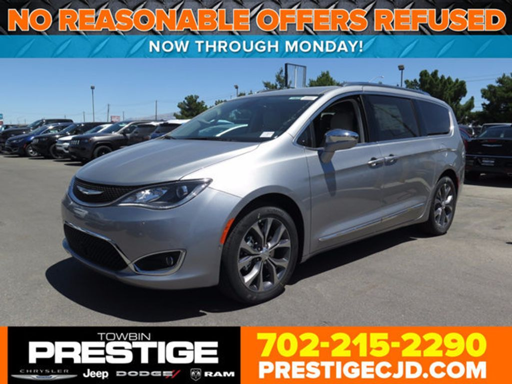2017 Chrysler Pacifica Limited - 16731575 - 0