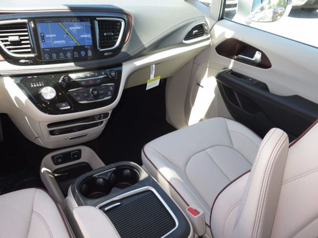 2017 Chrysler Pacifica Limited - 16731575 - 9