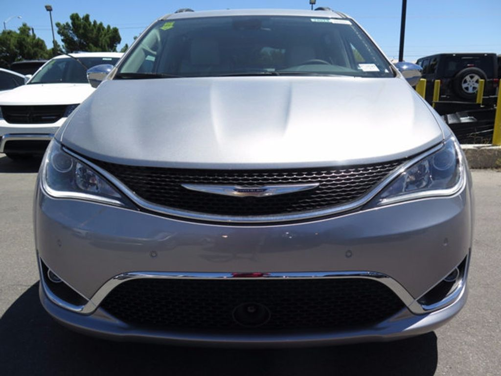 2017 Chrysler Pacifica Limited - 16731575 - 1
