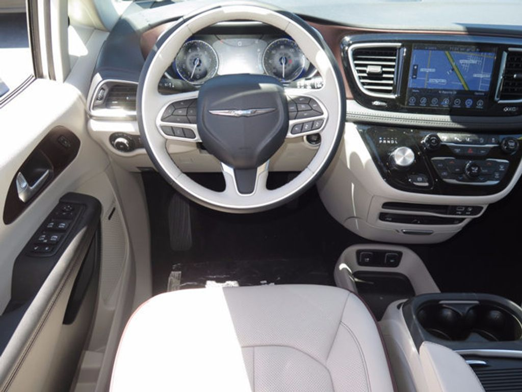 2017 Chrysler Pacifica Limited - 16731575 - 8