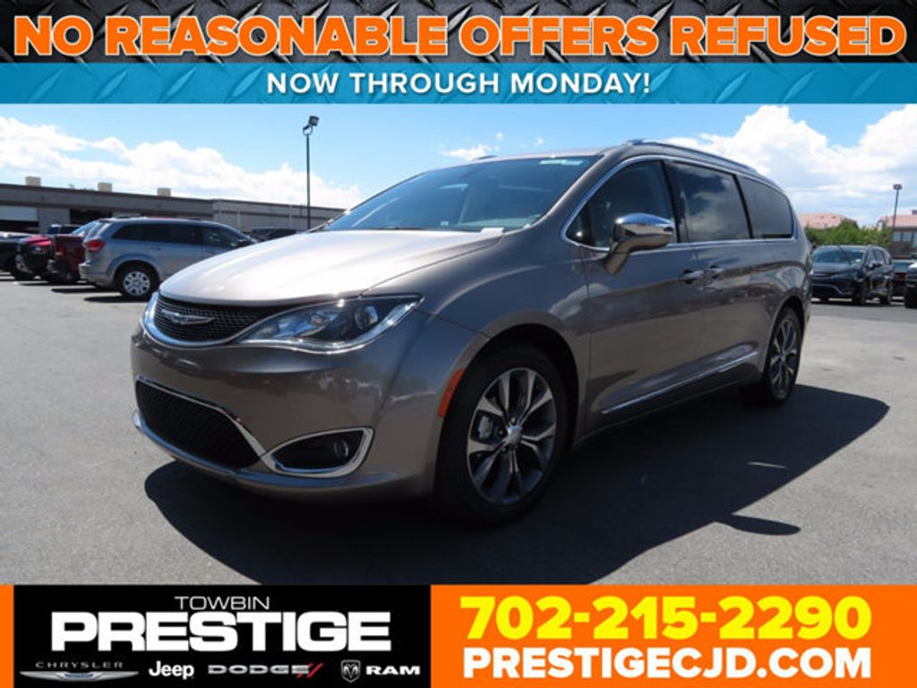 2017 Chrysler Pacifica Limited - 16732136 - 0