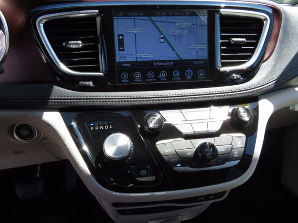 2017 Chrysler Pacifica Limited - 16732136 - 14
