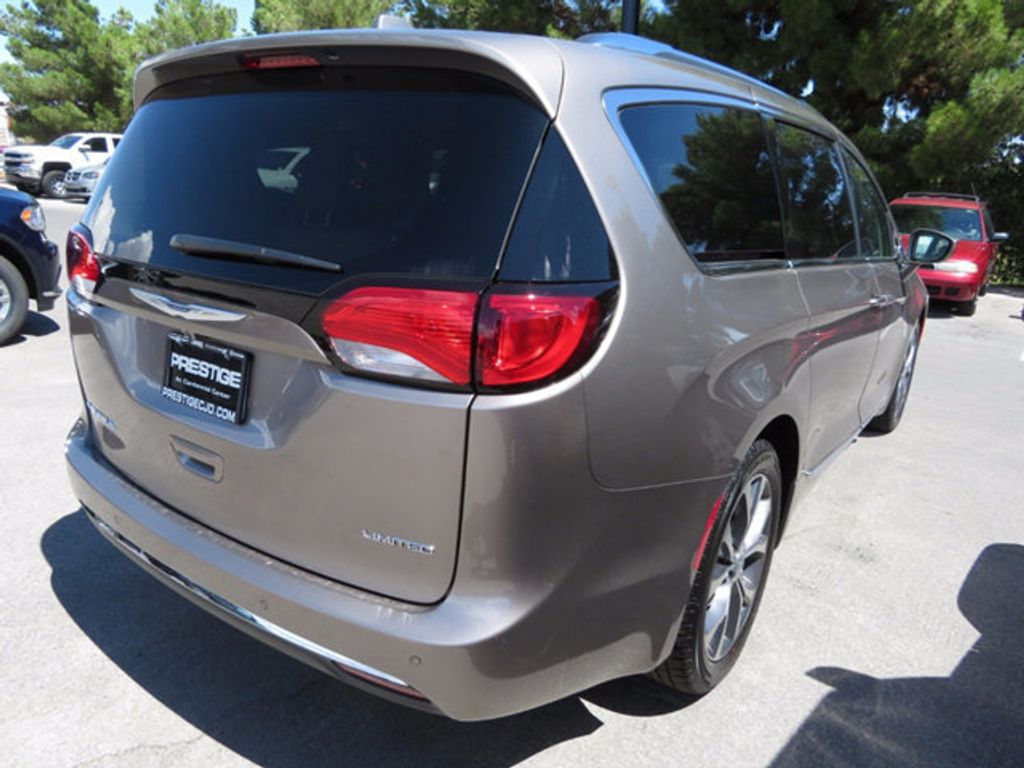 2017 Chrysler Pacifica Limited - 16732136 - 3
