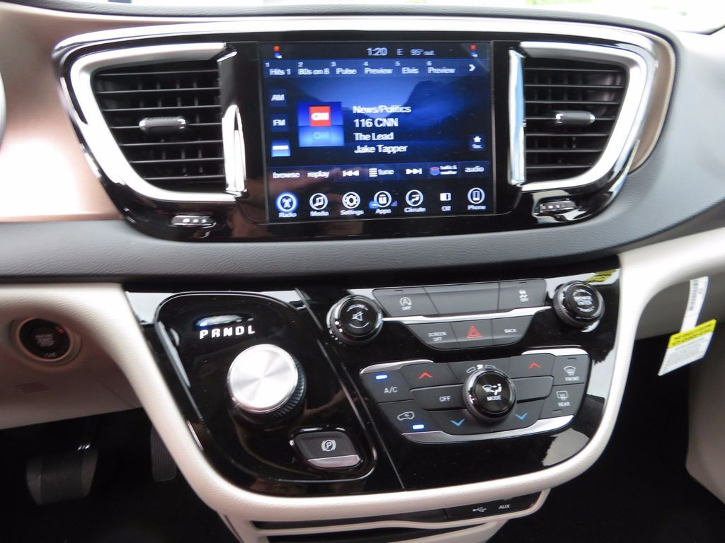 2017 Chrysler Pacifica Touring - 16731543 - 13