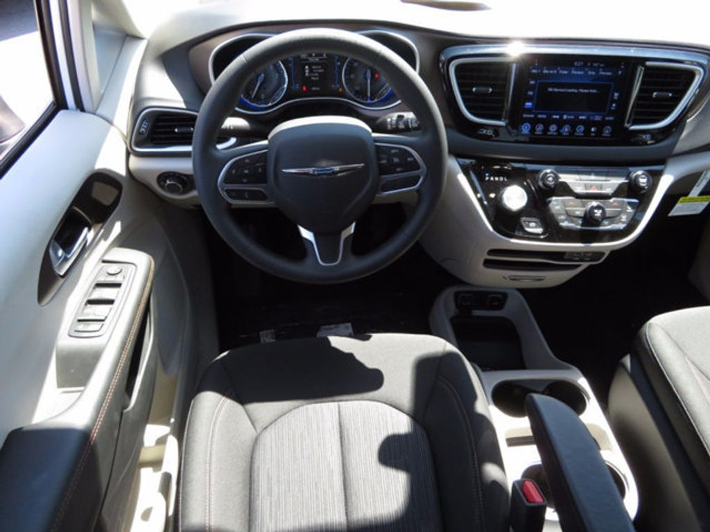 2017 Chrysler Pacifica Touring - 16731568 - 8