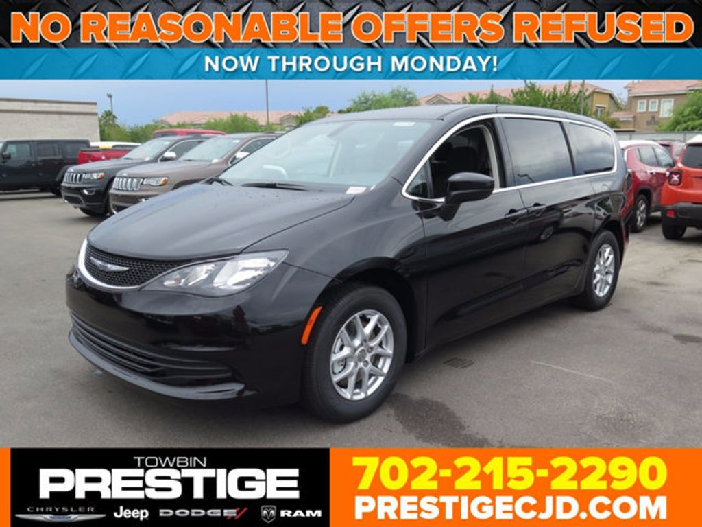 2017 Chrysler Pacifica Touring - 16731573 - 0