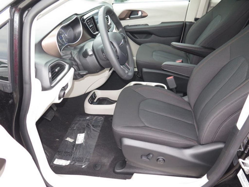 2017 Chrysler Pacifica Touring - 16731573 - 6