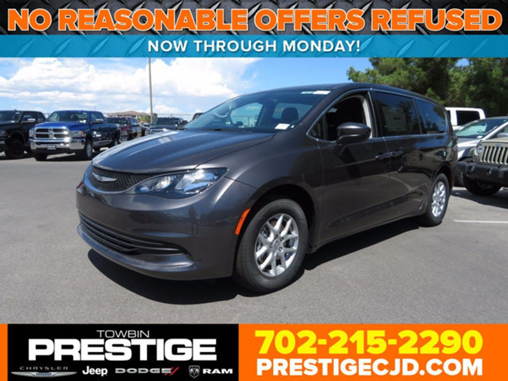 2017 Chrysler Pacifica Touring - 16731576 - 0
