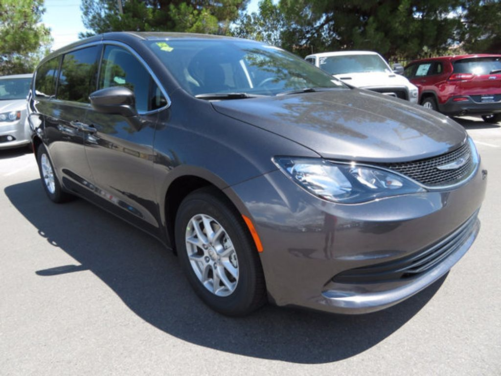 2017 Chrysler Pacifica Touring - 16731576 - 2