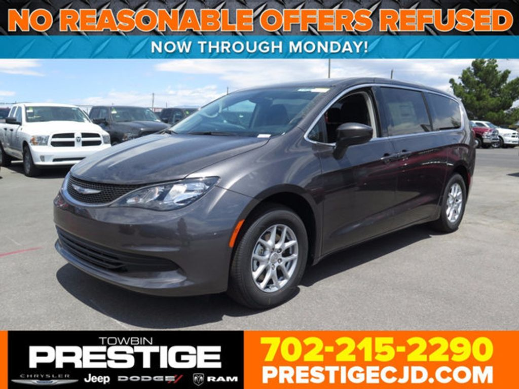 2017 Chrysler Pacifica Touring - 16731580 - 0