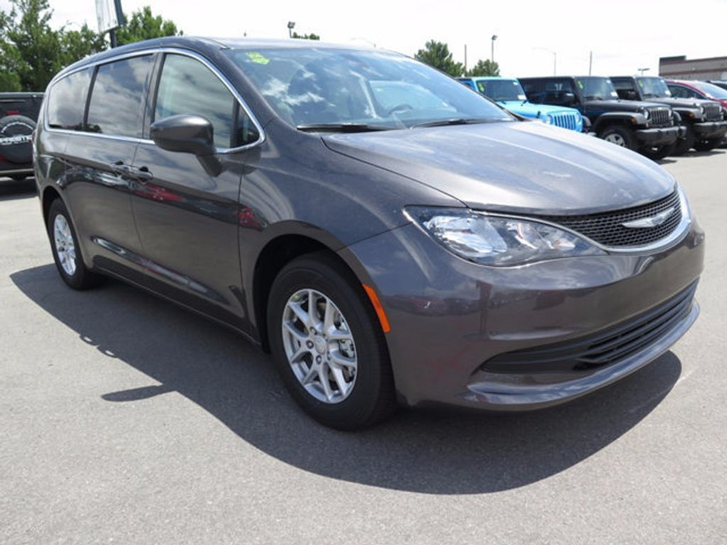 2017 Chrysler Pacifica Touring - 16731580 - 2