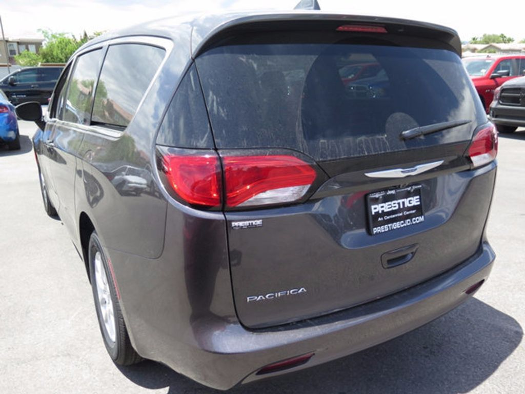 2017 Chrysler Pacifica Touring - 16731580 - 3