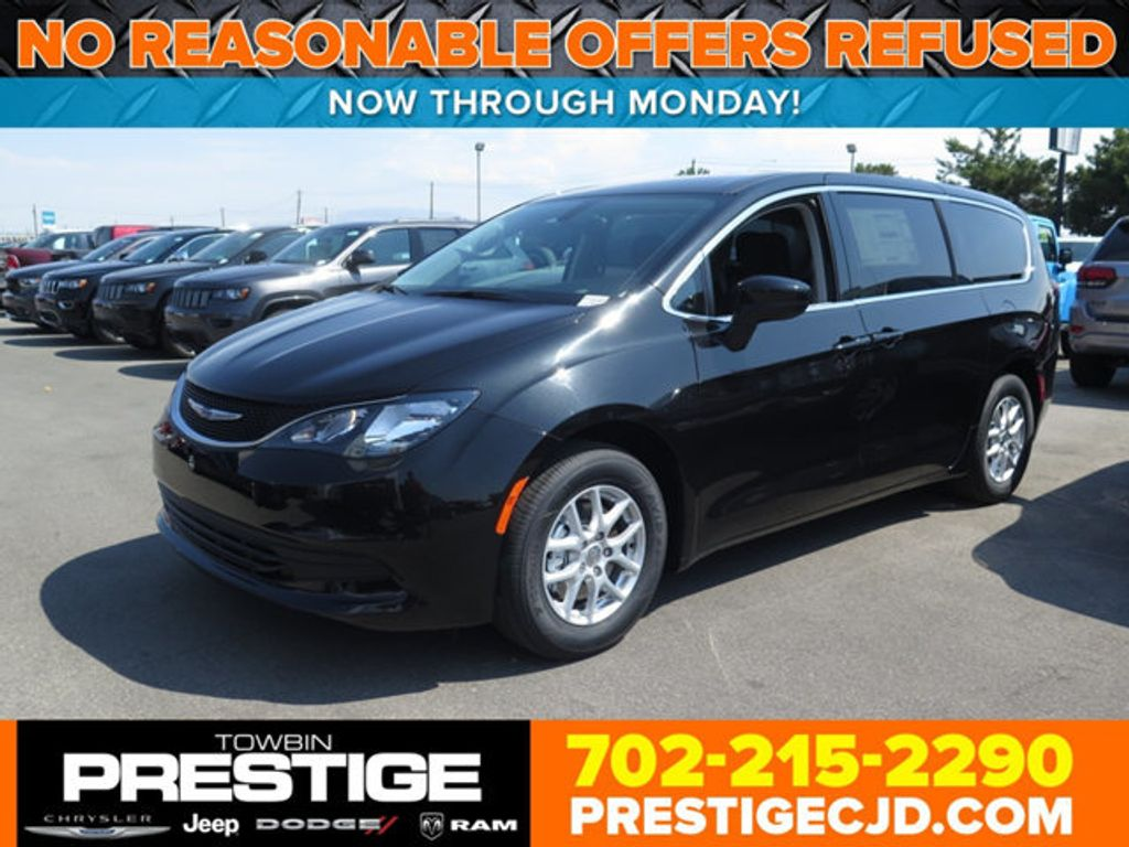 2017 Chrysler Pacifica Touring - 16732297 - 0