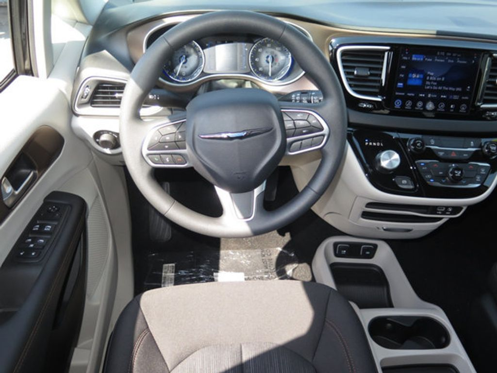 2017 Chrysler Pacifica Touring - 16732297 - 9