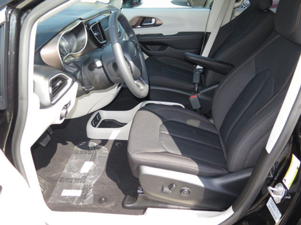 2017 Chrysler Pacifica Touring - 16732297 - 6