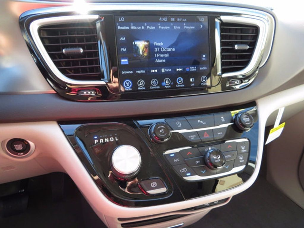 2017 Chrysler Pacifica Touring-L - 16731578 - 14