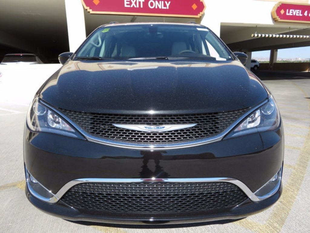 2017 Chrysler Pacifica Touring-L - 16731578 - 1