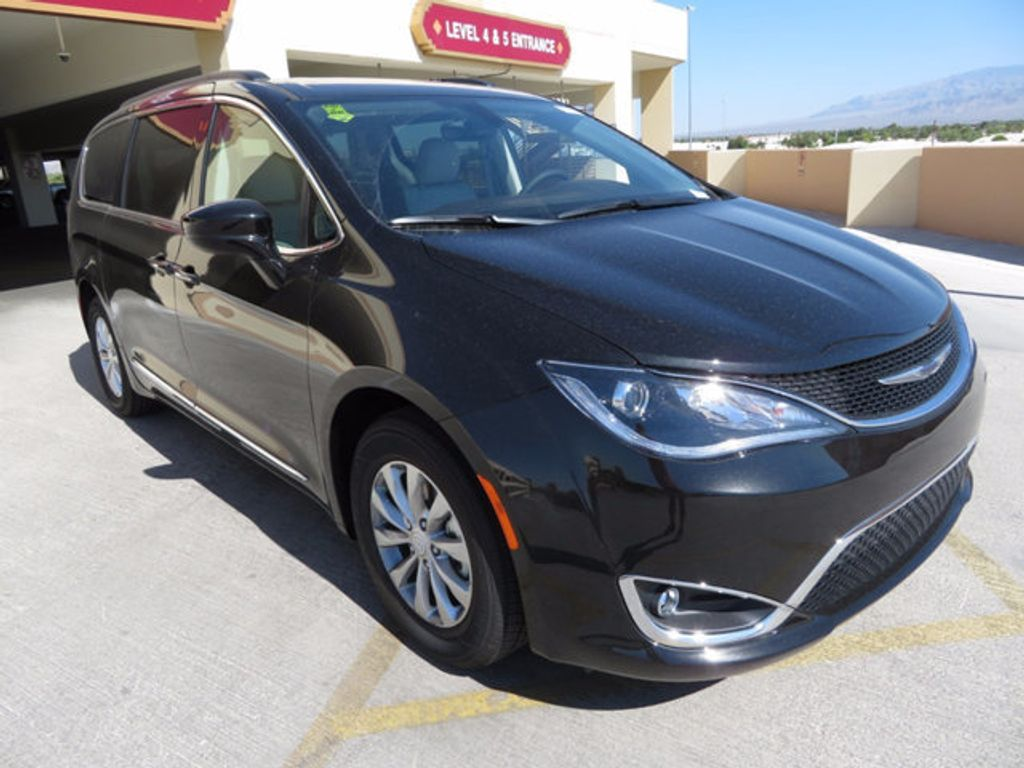 2017 Chrysler Pacifica Touring-L - 16731578 - 2