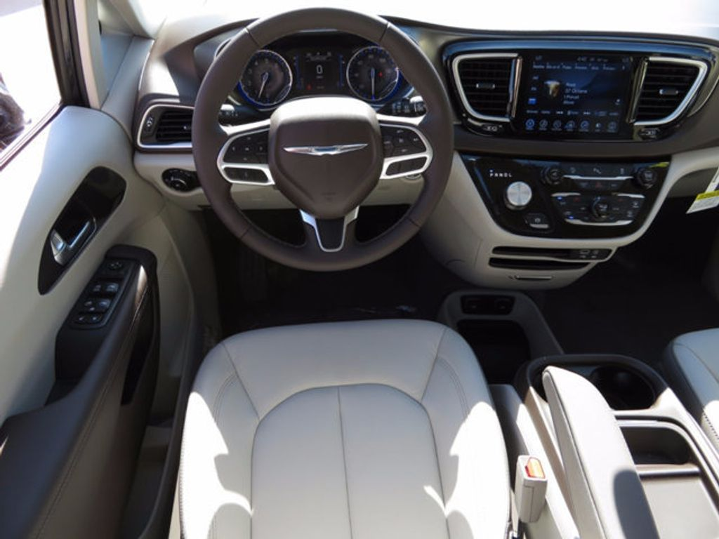 2017 Chrysler Pacifica Touring-L - 16731578 - 8