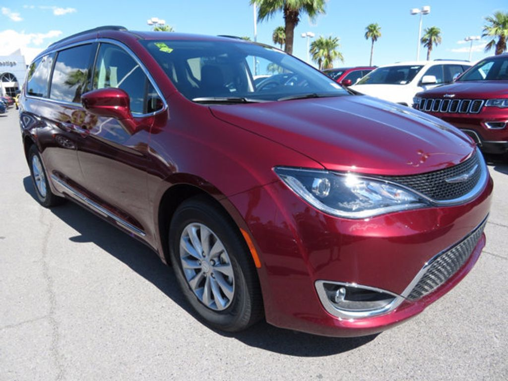2017 Chrysler Pacifica Touring-L - 16731665 - 2