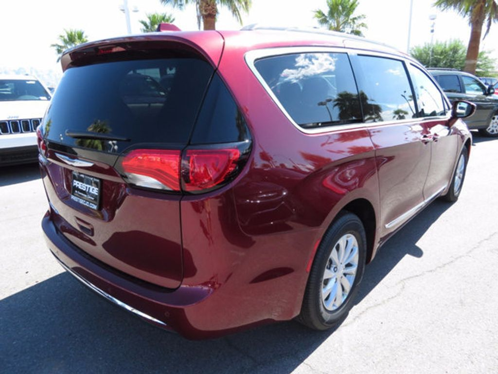 2017 Chrysler Pacifica Touring-L - 16731665 - 3