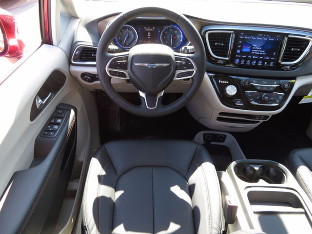 2017 Chrysler Pacifica Touring-L - 16731665 - 8