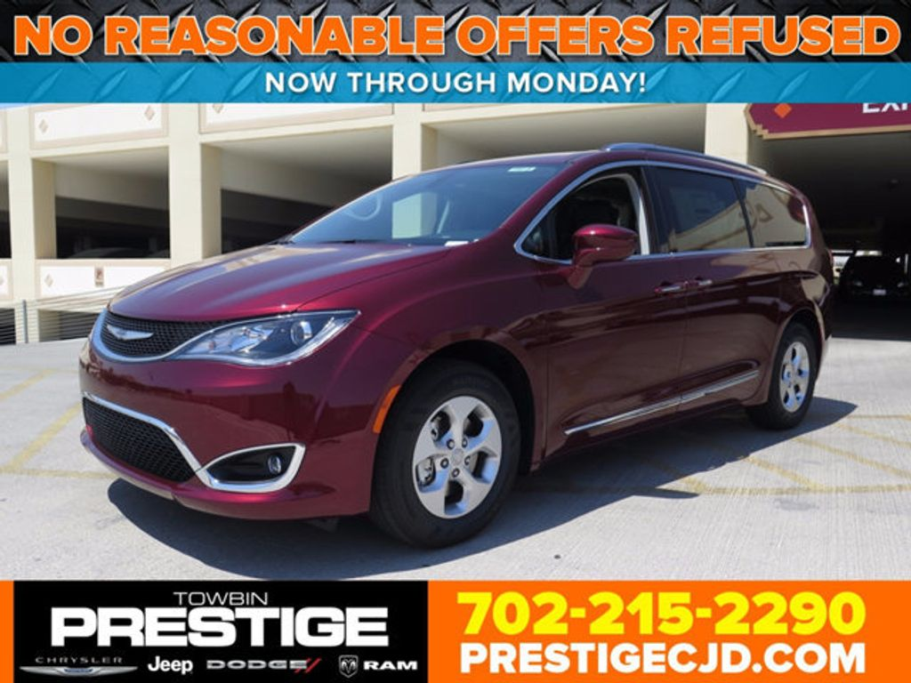 2017 Chrysler Pacifica Touring-L Plus - 16731539 - 0