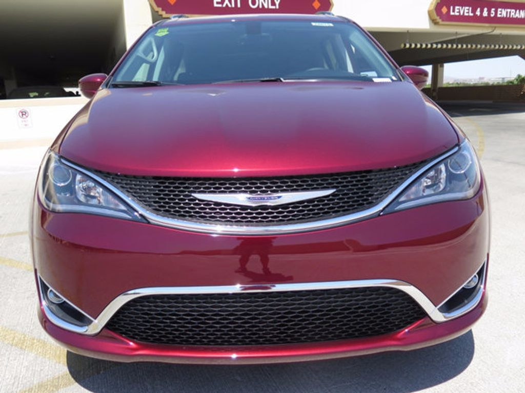 2017 Chrysler Pacifica Touring-L Plus - 16731539 - 1