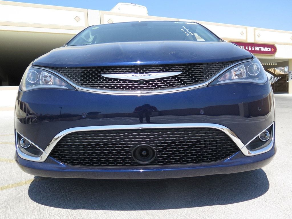 2017 Chrysler Pacifica Touring-L Plus - 16731552 - 1