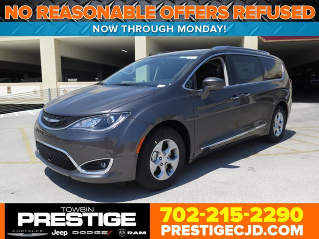 2017 Chrysler Pacifica Touring-L Plus - 16731581 - 0