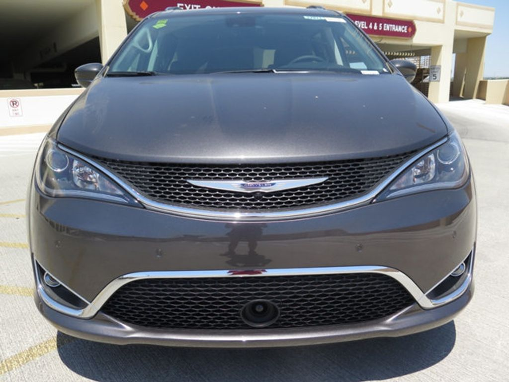 2017 Chrysler Pacifica Touring-L Plus - 16731581 - 1