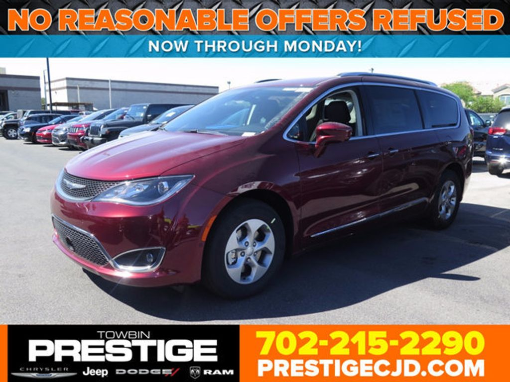 2017 Chrysler Pacifica Touring-L Plus - 16732294 - 0