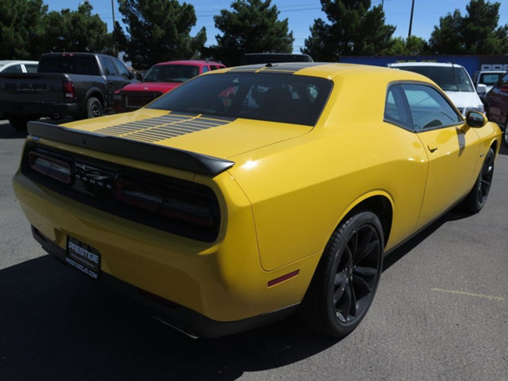 2017 Dodge Challenger R/T Coupe - 16731670 - 3