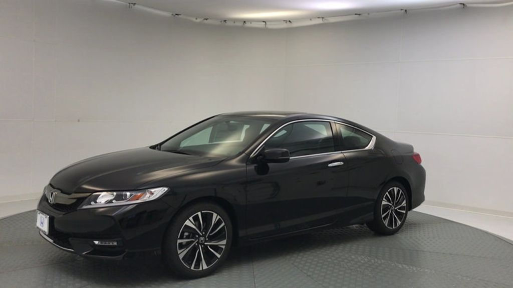 2017 Honda Accord Coupe EX CVT - 16777398 - 3