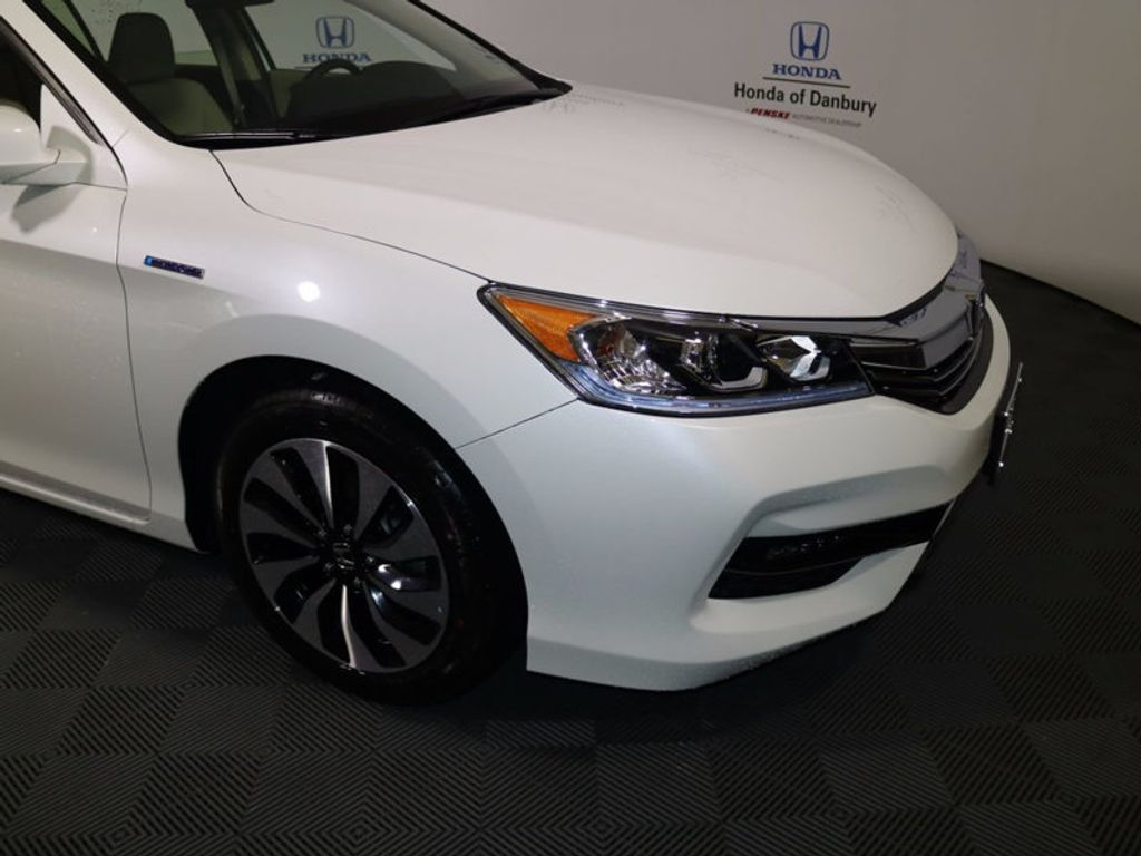 2017 Honda Accord Hybrid Sedan - 16927052 - 1