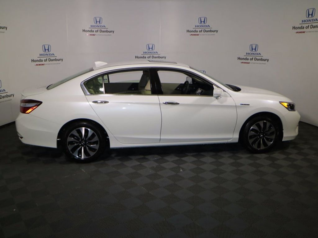 2017 Honda Accord Hybrid Sedan - 16927052 - 2
