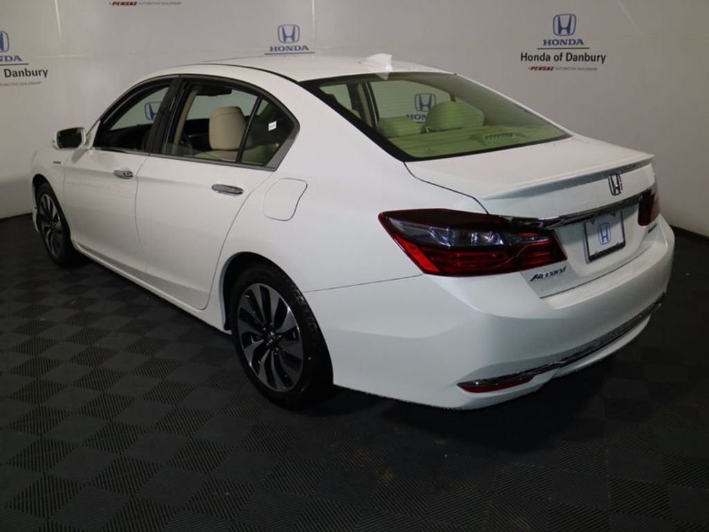 2017 Honda Accord Hybrid Sedan - 16927052 - 4