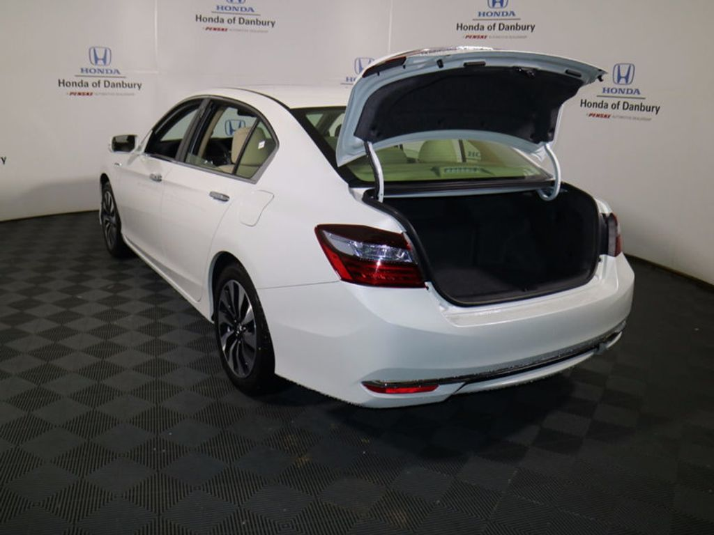 2017 Honda Accord Hybrid Sedan - 16927052 - 5