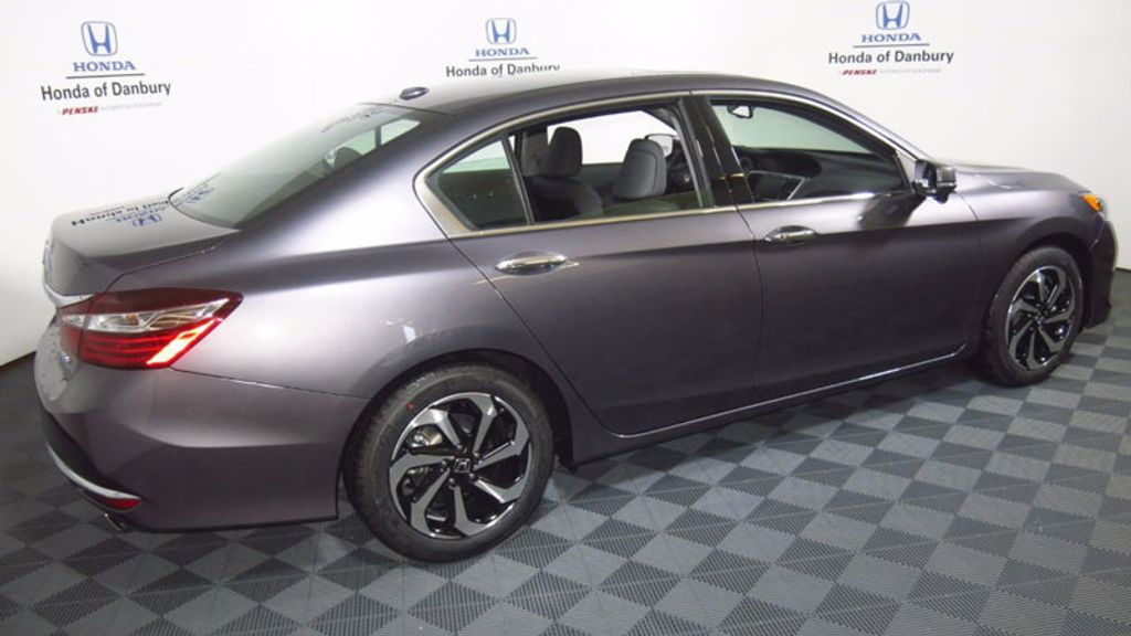 2017 Honda Accord Sedan EX-L V6 Automatic - 16817366 - 4