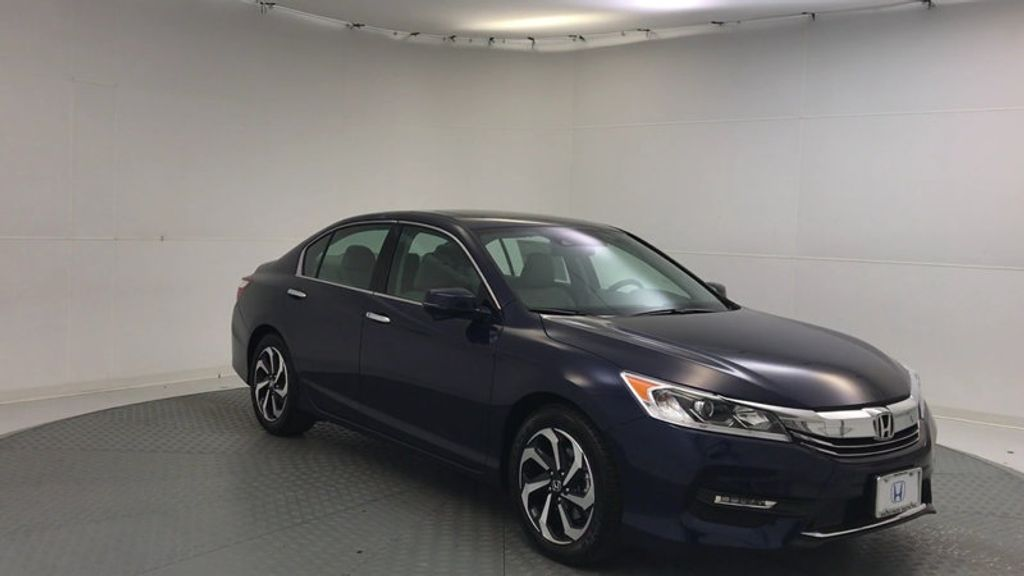 2017 Honda Accord Sedan EX-L V6 Automatic w/Navi & Honda Sensing - 16752902 - 1